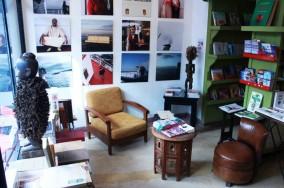 La libraire des Insolites, Librairie et coin de lecture au centre de Tanger, Galerie photos, Séances de dédicaces, Rencontres artistiques